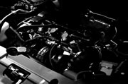各車両エンジン専用開発